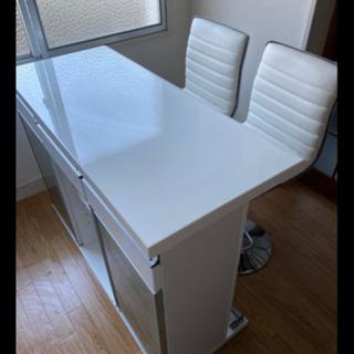 カウンターテーブル 椅子二つ付き