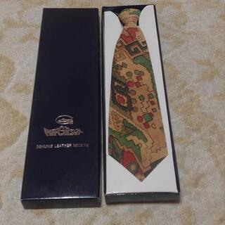 革ネクタイ