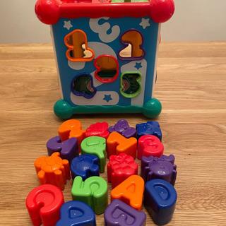 赤ちゃん 知育玩具の画像