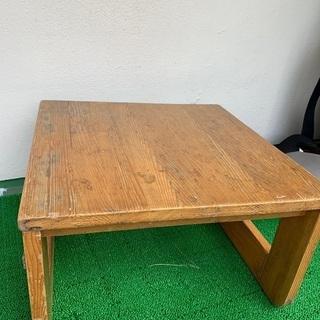子供用の木製テーブル お絵描きやお勉強に!無料