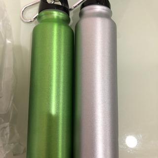 ※グリーンのみ〈新品未使用〉カラビナ付きスリム水筒