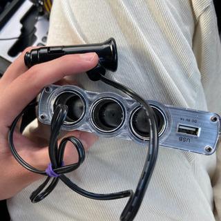 シガーソケットを複数に分割する機械