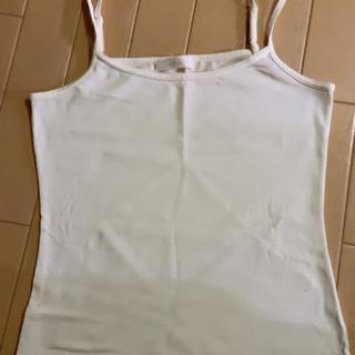 白いインナーシャツ