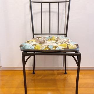 【ネット決済】【無料】椅子と座布団×2脚【引取りのみ】