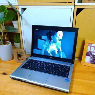 corei5でSSD搭載、メモリ12Gの超高性能NEC☆ 12.1インチのコンパクト軽量で持ち運び便利♪ オシャレな光沢シルバー♪  最新Windows10 64Bit!  高速PC★ NEC VersaPro   高級感  ノートパソコン 無線LAN Wi-Fi対応   - 福岡市