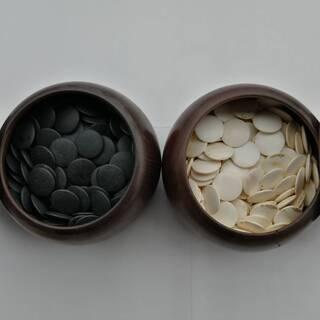 戦前の碁石と碁笥 骨董的価値
