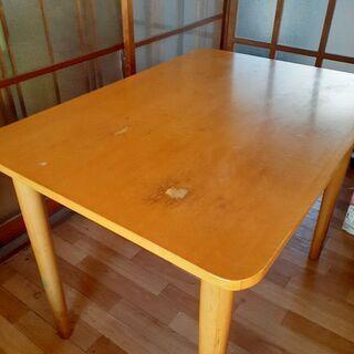 【決まりました】無料 ダイニングテーブル