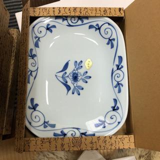 高級有田焼オーバル皿一枚2500円を500円で。30枚あります。