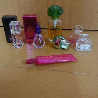 【お値下げしました】ミニ香水5点プラス空き瓶2個♪ブルガリ・カボ...