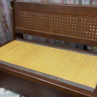 コーナータイプのテーブルと椅子のセット − 熊本県