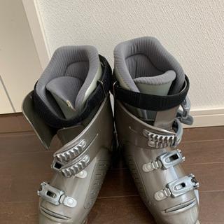 女性用スキー靴、安価でお譲りします。