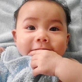 赤ちゃんをカビだらけのエアコンの部屋で寝かせないでください★カビ...