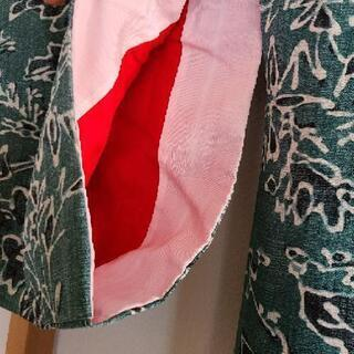 着物(深い緑色に花と葉っぱの模様) - 服/ファッション