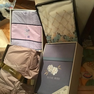 寝具差し上げます(敷き布団、掛け布団、毛布、肌掛け、シーツ…
