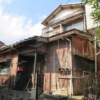 廃墟・ボロボロの家や使っていない空き地や倉庫