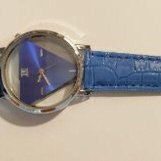 時計(ブルー・スケルトン?)