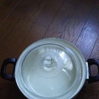 ホーロー鍋400円