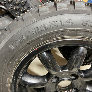 スパイクタイヤ フルピン 175\65r14 アドバン M…