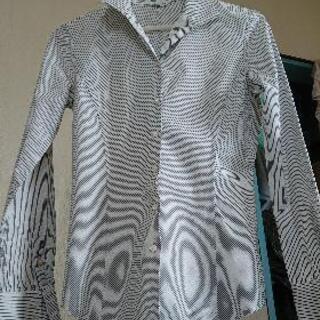 COMME CA DU MODEワイシャツSサイズの画像