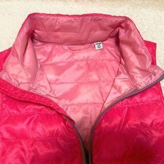 ★美品~USED!!・140㎝用「UNIQLO(ユニクロ)」ダウン&フェザーの温かベスト・蛍光ピンク色★ - 子供用品