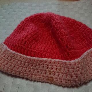 女性用の毛糸の帽子