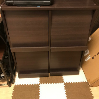 PCデスクと収納棚 − 愛知県