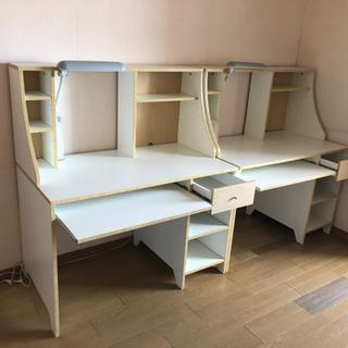 学習机(2台なら5,000円)の画像