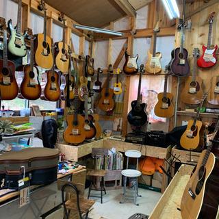 ギター類中古販売、ギターのメンテナンスもしています