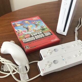 Wii本体+NEWスーパーマリオブラザーズWii+リモコン2個、...