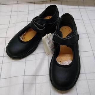 まだ募集中)女の子用の靴(17.5~18.5㎝)3足セットと何か...