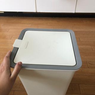 【あげます】ゴミ箱 白②