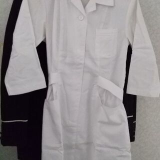 新品白衣です。ワンピースタイプです。値下げしました。再値下げ!!