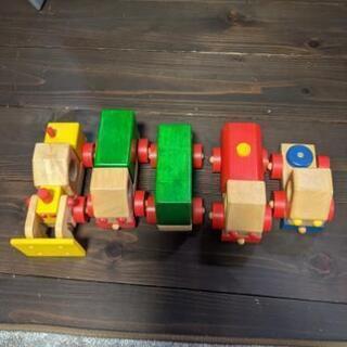 木のおもちゃ  車のおもちゃ