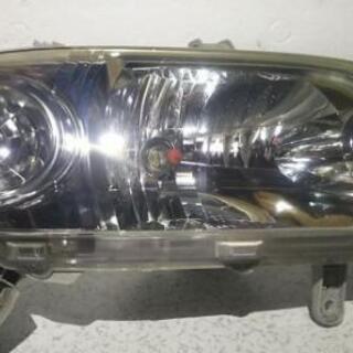 (中古品)ダイハツ タント 右ヘッドライト L350