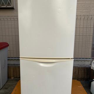 格安冷凍冷蔵庫 冷凍庫が引出し式で下です。