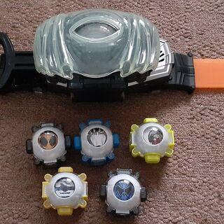 仮面ライダーゴースト 変身ベルト DXゴーストドライバーとアイコン5個