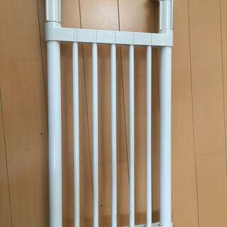 ポールスライド棚(取付幅 53~73cm) 100円