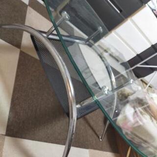 (お取引先決定しました)ガラステーブル 無料の画像