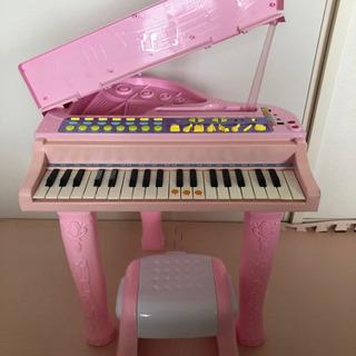 電子ピアノ おもちゃ