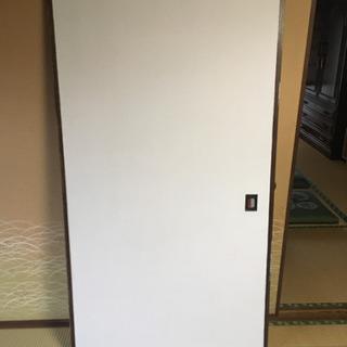 真っ白に塗った襖 引き戸