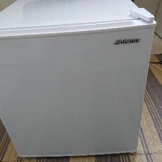 【ネット決済】商談中。値下げしました。小型冷蔵庫