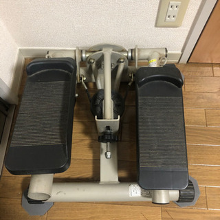 腰、足トレーニングマシーン