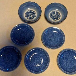 地味な小皿5枚と小鉢2個のセット