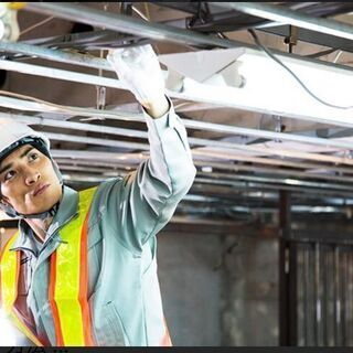 【寮費無料で日給16000円?】✨電気工事で一生困まらない生活を✨