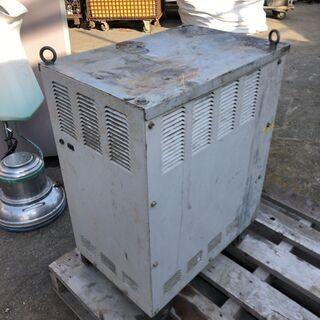 値下げ★ジャンク品★ダイデン ムーブ350 半自動溶接機 CR-M351 350A CO2/MAG 200V - 生駒市