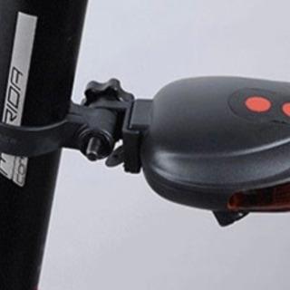 【ネット決済・配送可】5LED レーザーポインター テールライト