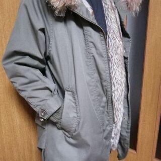 【値下げしました!】ファー付きコート レディースM~Lくらいのサイズ感