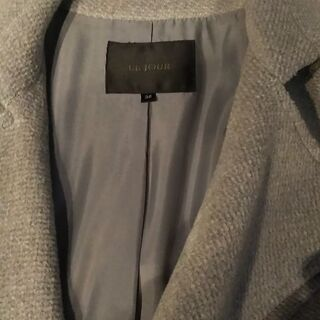 グレーのコート - 服/ファッション
