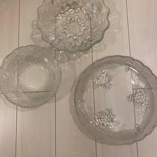 お話中 ガラスのお皿