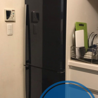 スリム型冷蔵庫とオーブン機能付き電子レンジ